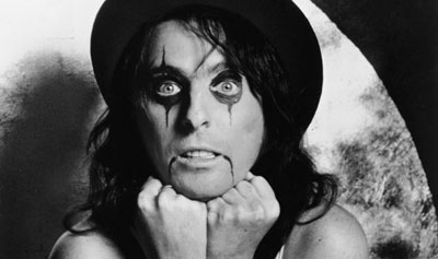 Alice Cooper's all corpsed up.