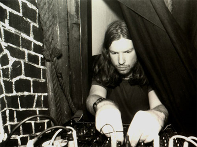 Aphex Twin twiddles some knobs