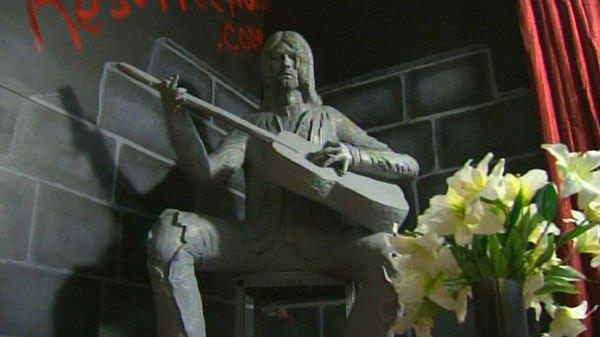 Kurt Cobain statue