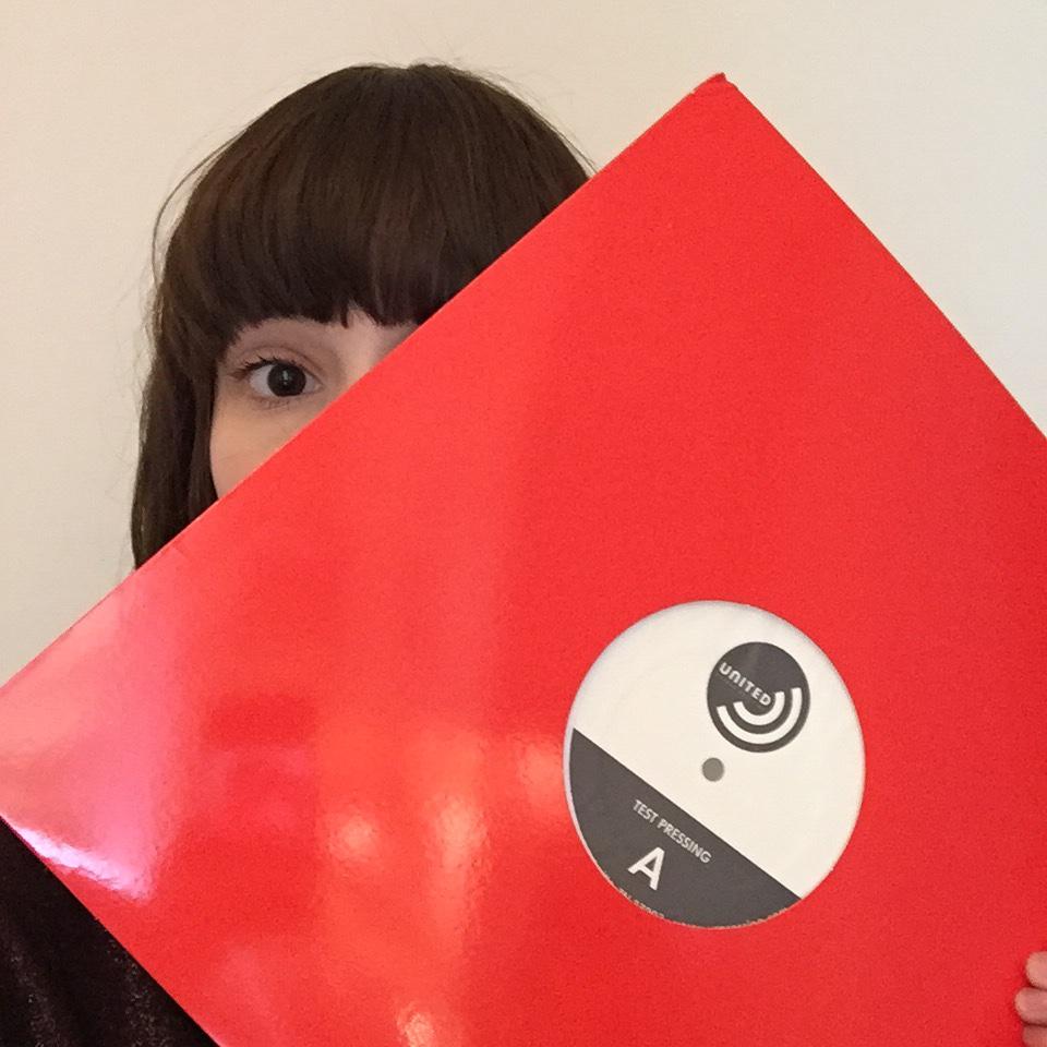 chvrches-vinyl-pic