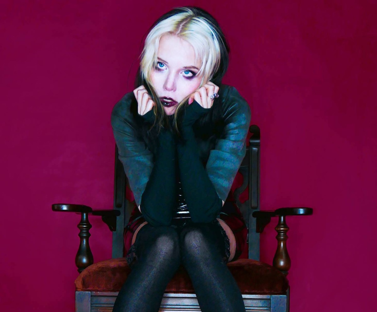 Alice Glass tour