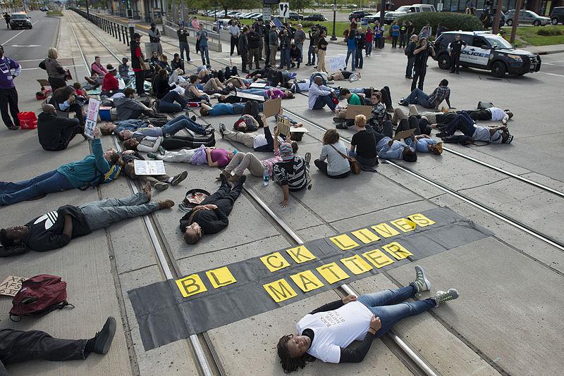 800px-Black_Lives_Matter_protest_against_St._Paul_police_brutality_(21587635011)